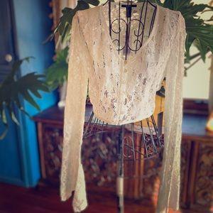 NWT Ivory Cropped Lace Bell Sleeve Boho Top Sz M